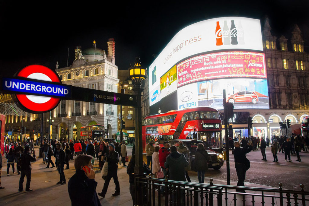 Piccadilly-Circus-1200x800